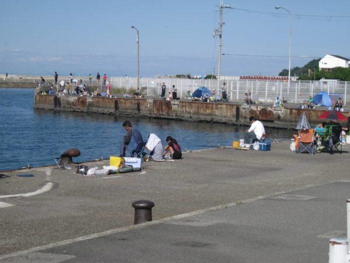 混雑した釣り場ではコミュニケーションも大事