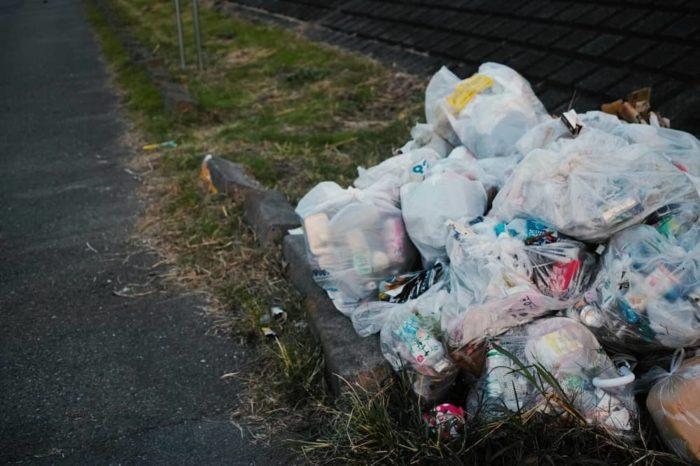 釣り場で出したゴミは持ち帰るのがマナー