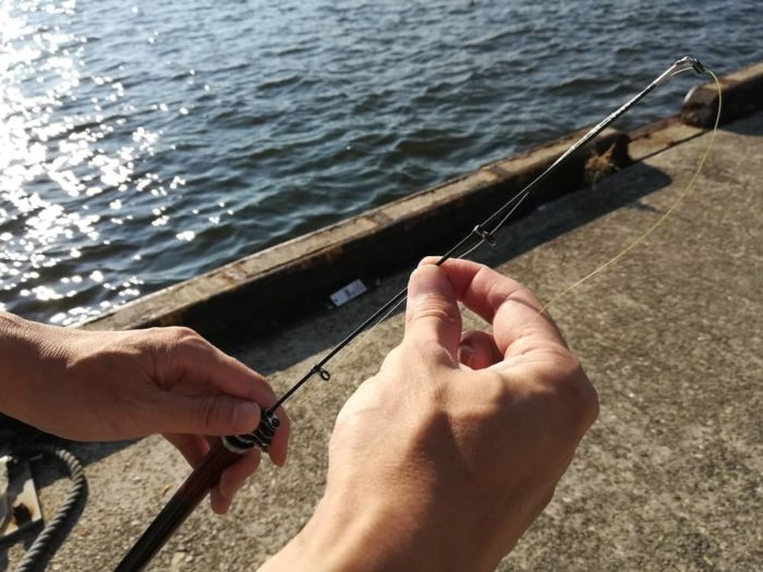 釣り竿(ロッド)を伸ばす